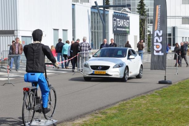 Soft Pedestrian Target cyclist - medium
